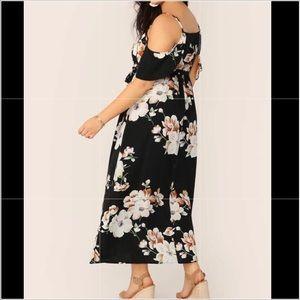 🔵Forever 21 Cold Shoulder Floral Dress